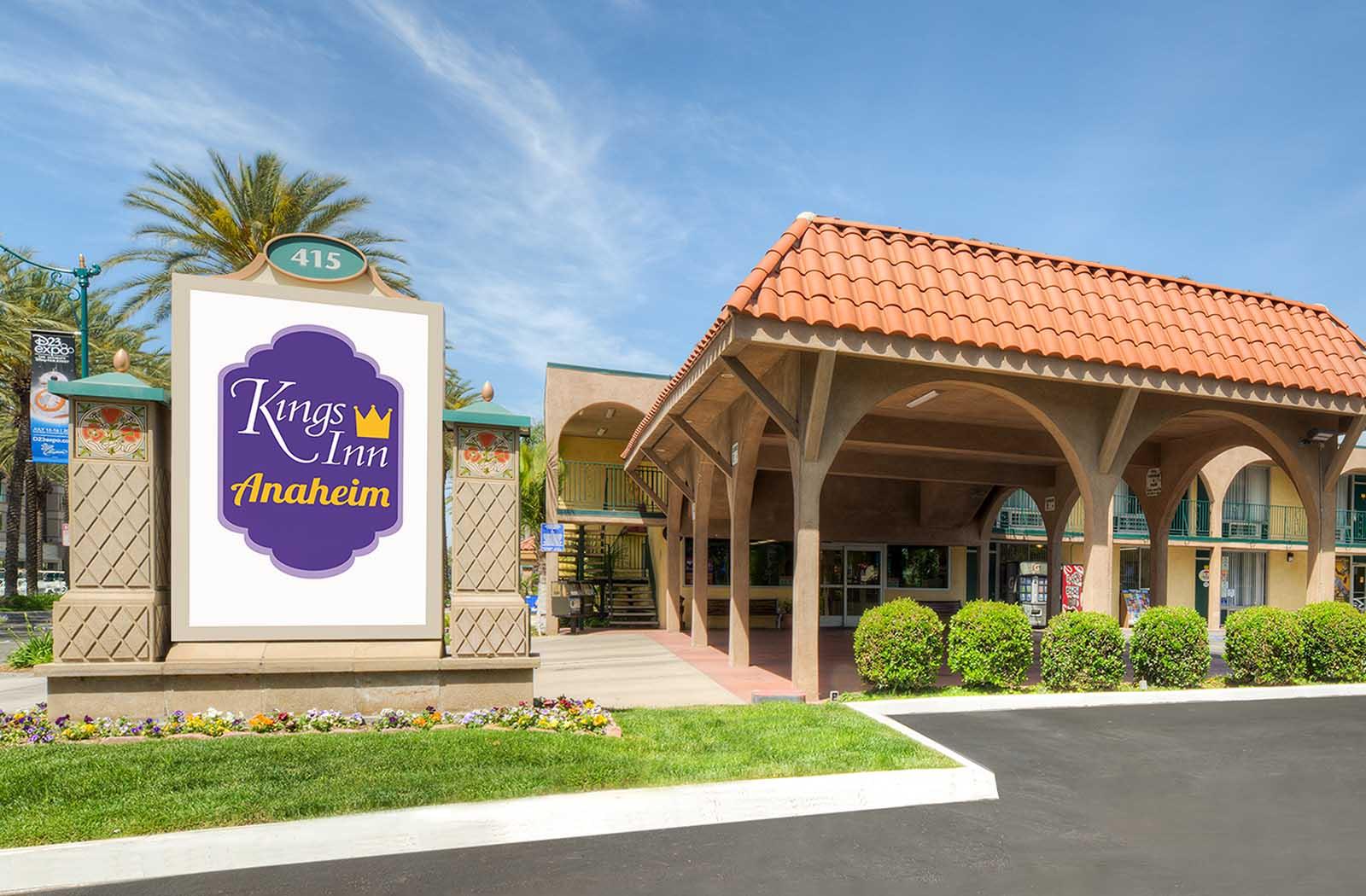 Kings-Inn-Anaheim-formerly-Super-8-Anaheim_0000_Introducing-KingsInn-Anaheim-Cropped-Print.tif